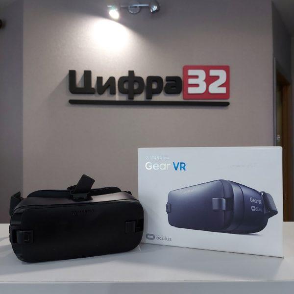 Очки виртуальной реальности для смартфона Samsung Gear VR (SM-R323)